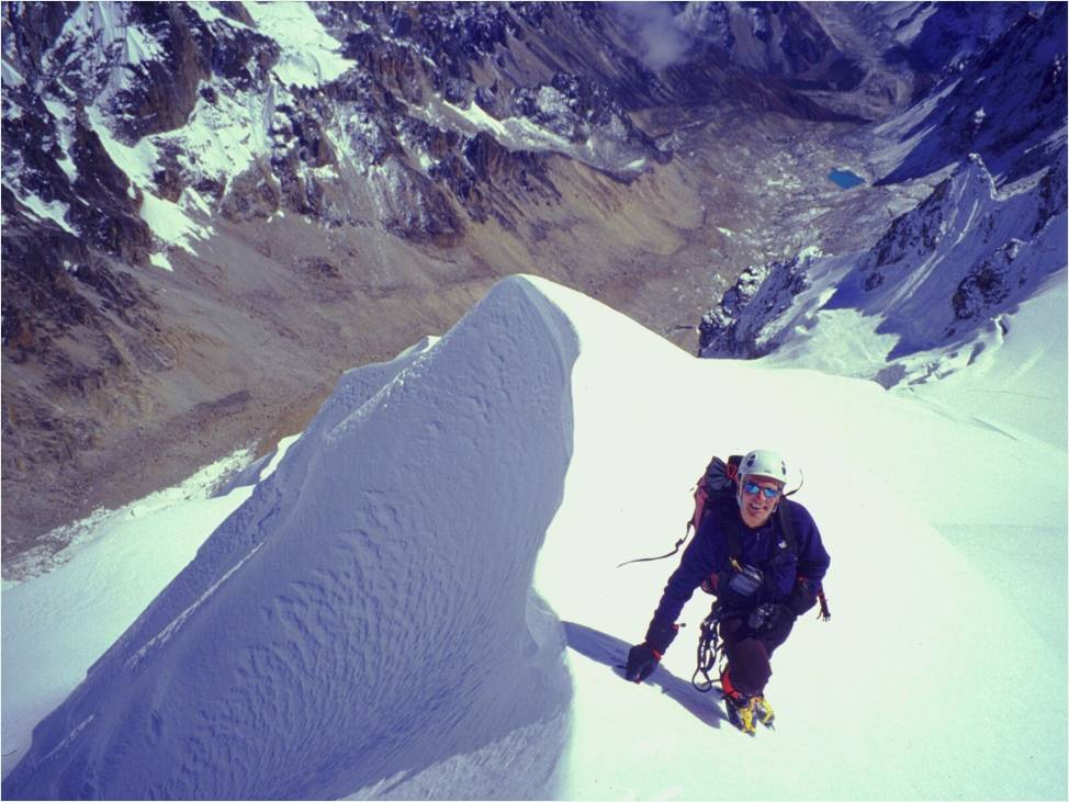 Bo Belvedere Christensen på vej mod toppen af Danga i østlige Nepal Himalaya